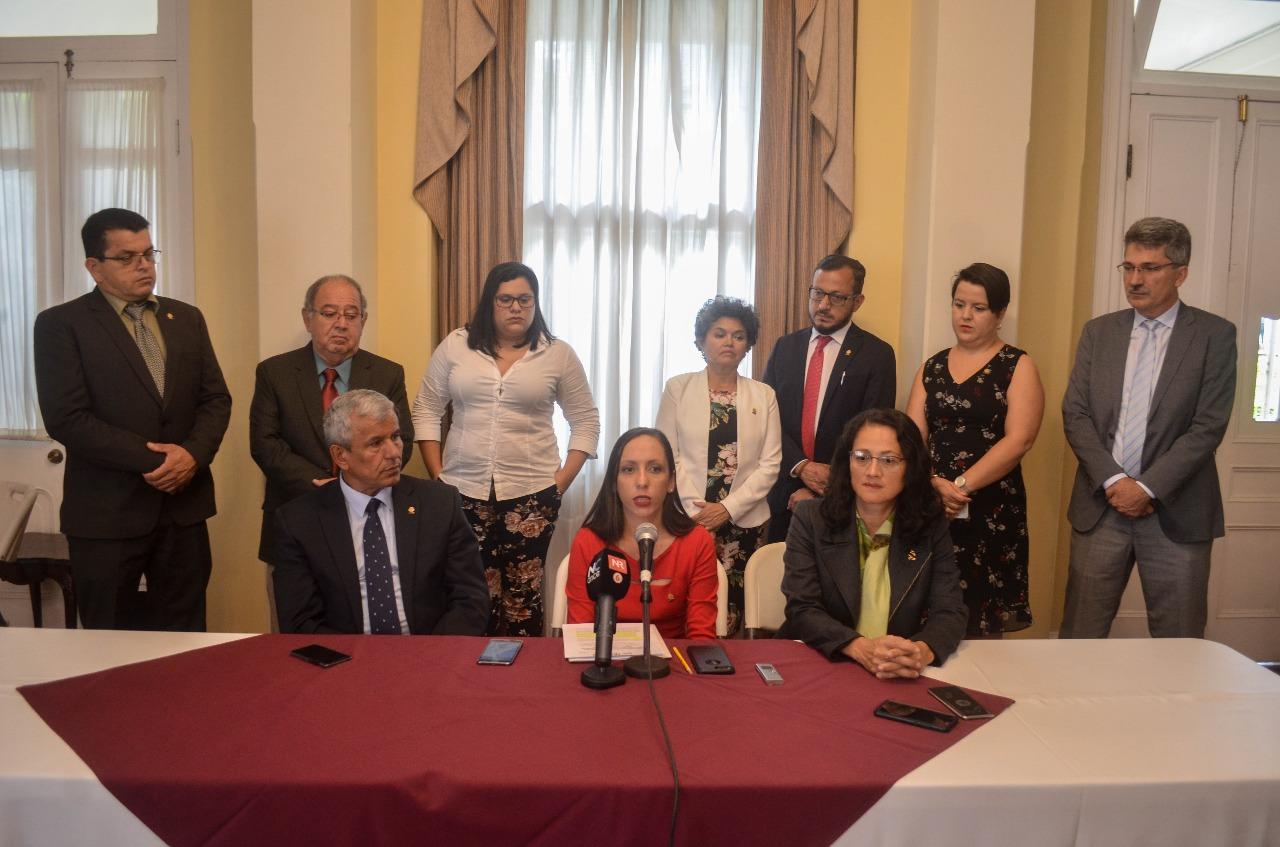 foto de conferencia oficio procu
